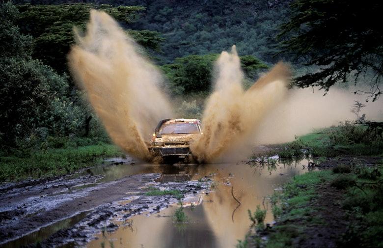Tommi Makinen / Seppo Harjanne - Mistubishi Lancer Evo III - 1996 WRC Safari Rally
