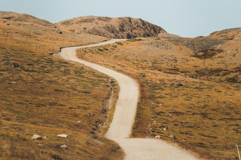 Gravel road in Kangerlussuaq. Photo - Benjamin Hardman, Visit Greenland1