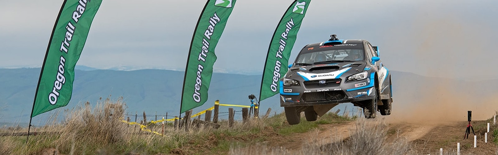 David_Higgins_and_Craig_Drew_get_airborne_at_the_Oregon_Trail_Rally