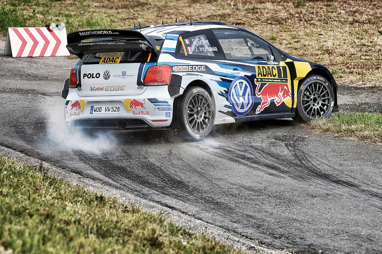 Sebastien Ogier (FR), Julien Ingrassia (FR) performs during FIA World Rally Championship 2016 Germany in Trier, Germany on August 18, 2016   // @World / Red Bull Content Pool // P-20160822-00712 // Usage for editorial use only // Please go to www.redbullcontentpool.com for further information. //