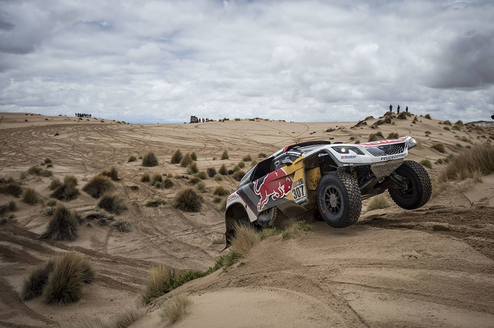 Cyril Despres (FRA) of Team Peugeot Total races during stage 07 of Rally Dakar 2017 from La Paz to Uyuni, Bolivia on January 09, 2017 // Marcelo Maragni/Red Bull Content Pool // P-20170109-01306 // Usage for editorial use only // Please go to www.redbullcontentpool.com for further information. //